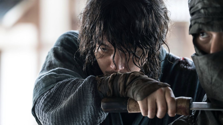 the-swordsman-2020 film review